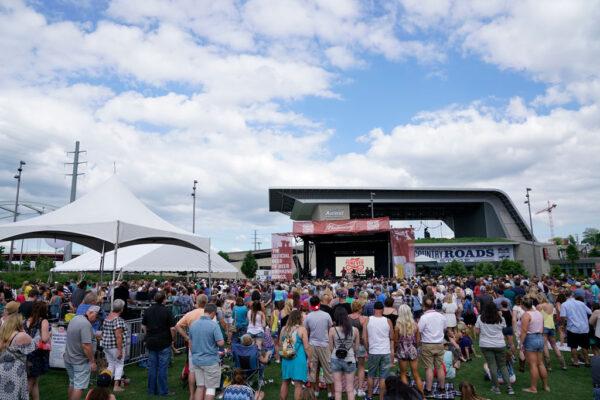CMA Fest - Lonestar