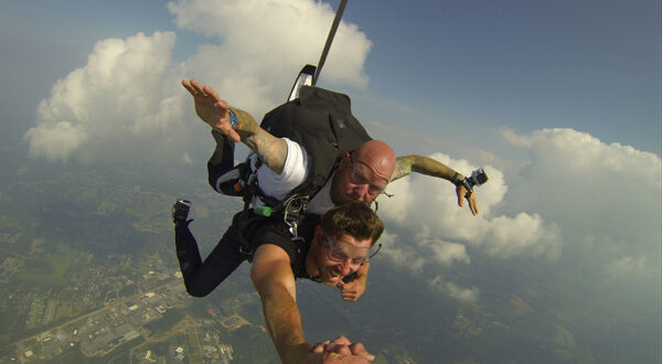 Brett Eldredge Skydiving